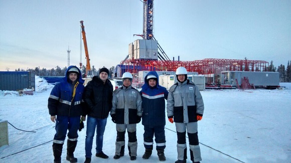 service team on site ZJ50LDB Solids Control System in Russia